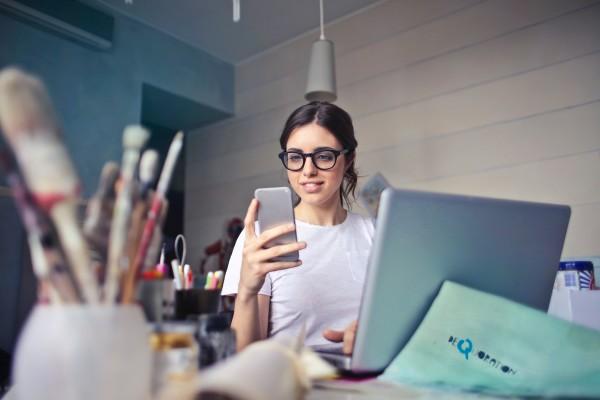 woman-telecommuting-working